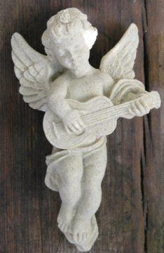 Engel-Steinguss-Gitarre