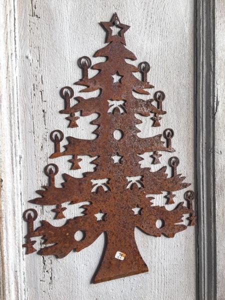 Rostiger Tannenbaum.Rostige Weihnacht Gross